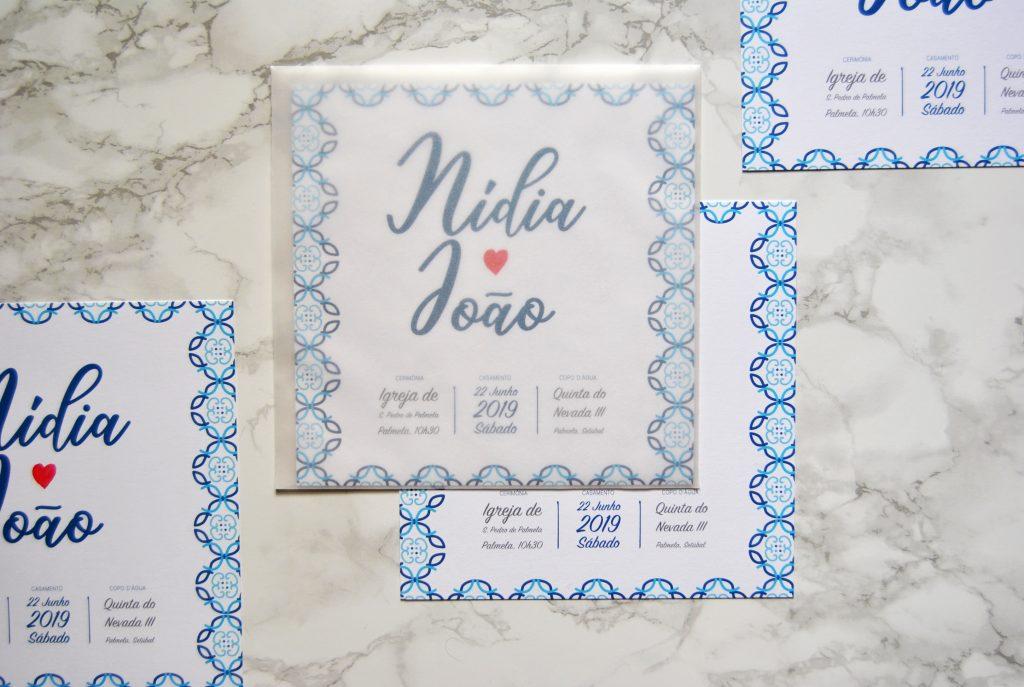 convite quadrado com envelope translucido