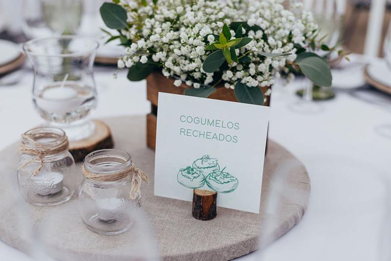 marcadores de mesa para casamento personalizado rustico, simples e moderno