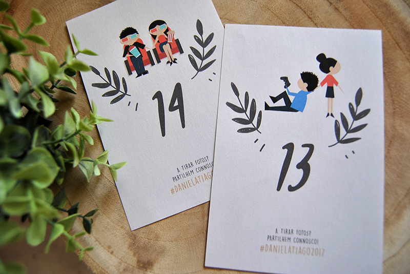 marcadores de mesa personalizados para casamento com história dos noivos