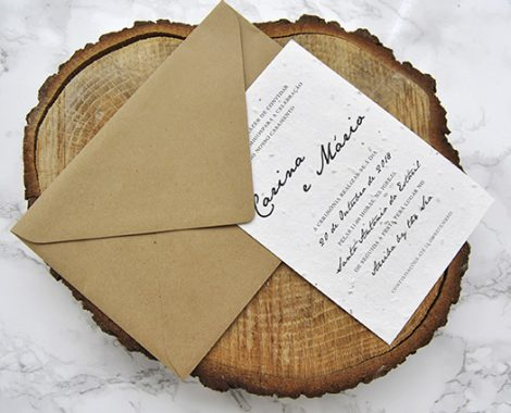 convite de casamento ecológico impresso em papel de sementes e envelope em papel reciclado